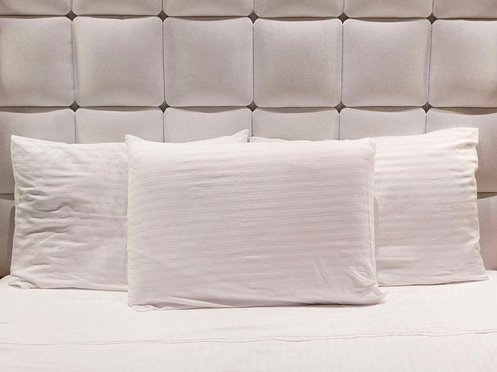 Secrets d'hôtels: exigez des couvertures propres dès votre arrivée.