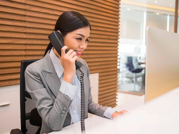 Secrets d'hôtels: n'essayez pas de négocier avec le numéro dédié aux réservations.
