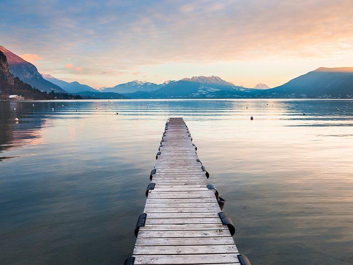 Vivre à côté de l'eau pour une vie heureuse.
