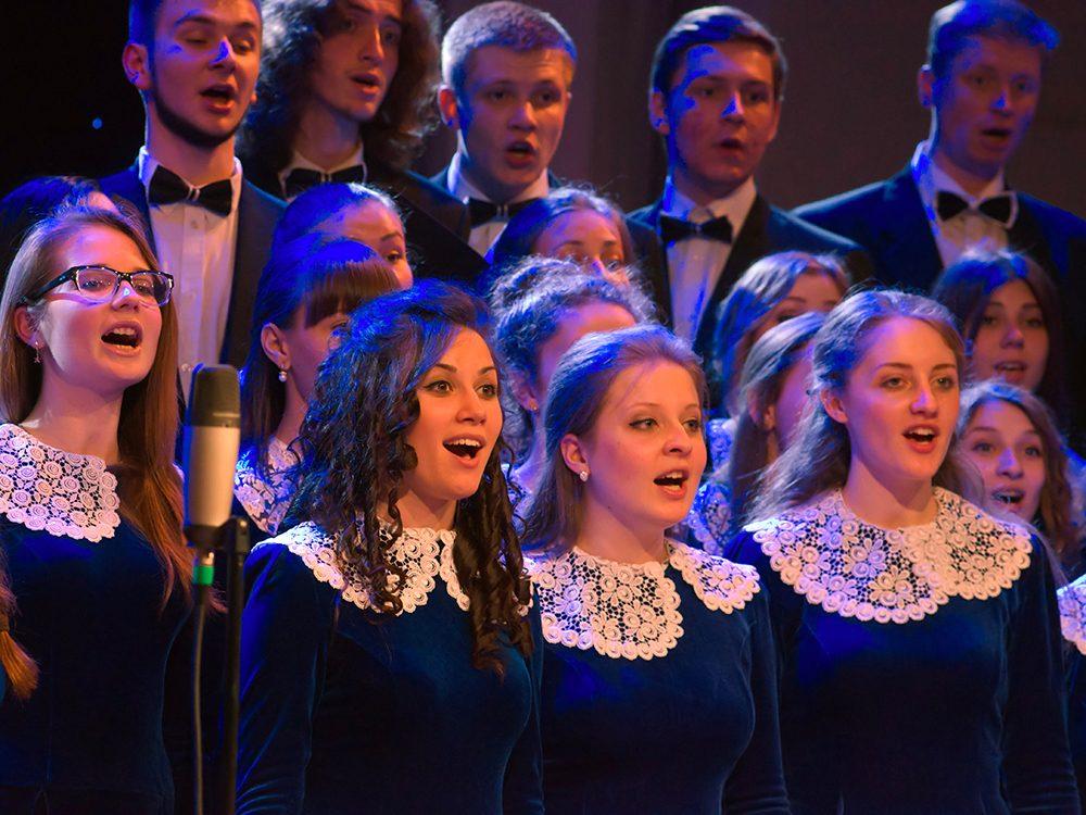 Chanter en groupe pour une vie heureuse.