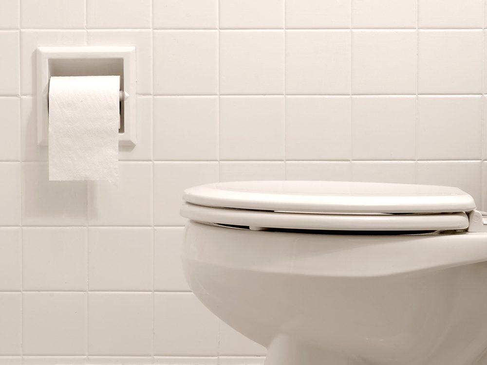La diarrhée fait partie des symptômes du COVID-19.