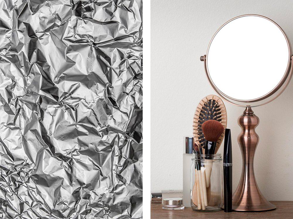 Cacher les taches d'usure dans les miroirs avec du papier aluminium.