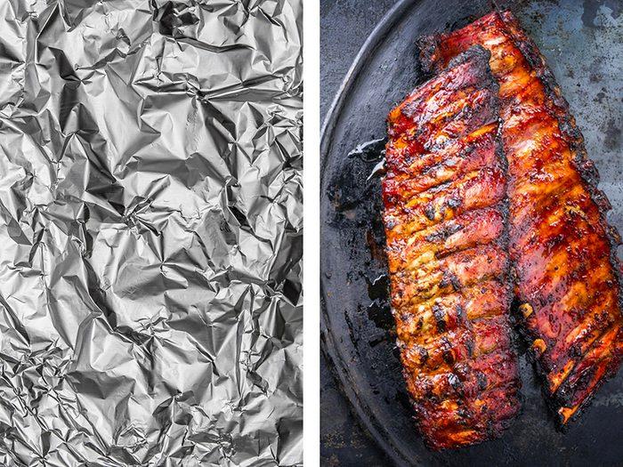 Recueillir la graisse du barbecue avec de l'aluminium ménager.