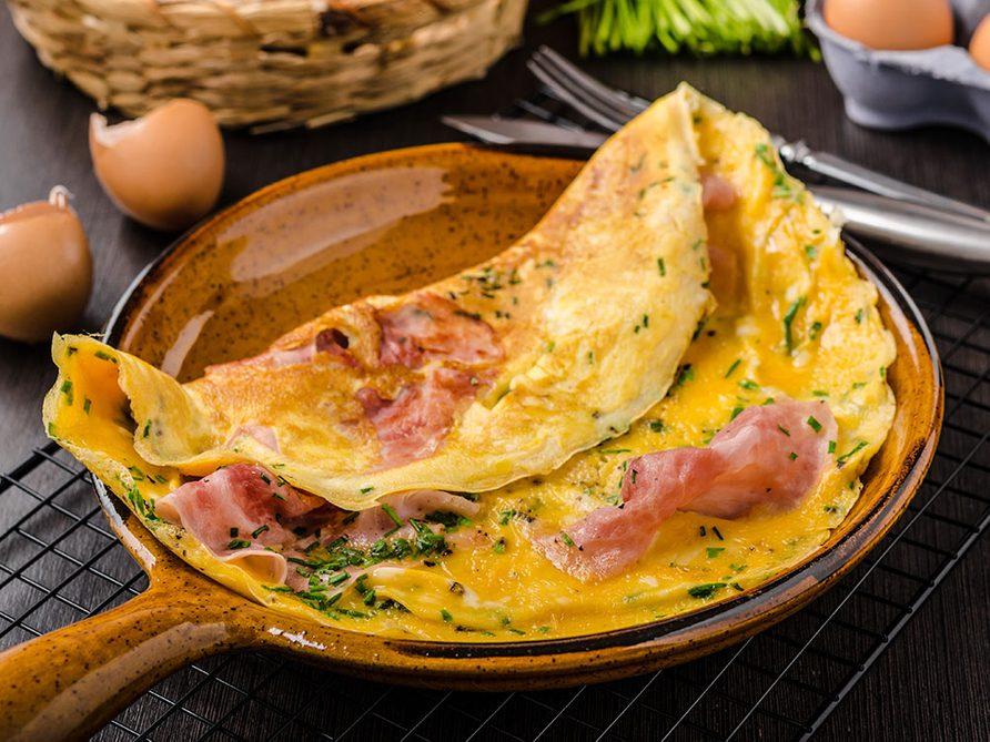 Une omelette au four pour être comme à la cabane à sucre.