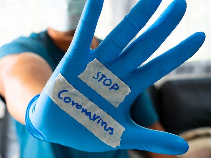 Les formules de politesse à éviter à cause du coronavirus.