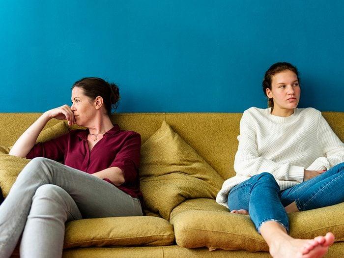 Ados confinés: parents et enfants doivent s'adapter à une nouvelle réalité.