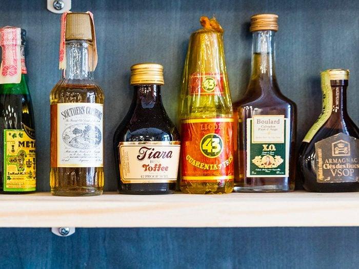 L'alcool est l'un des aliments non périssables à toujours avoir dans son garde-manger.