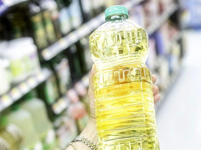 L'huile est l'un des aliments non périssables à toujours avoir dans son garde-manger.