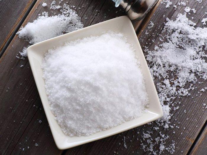 Le sel est l'un des aliments non périssables à toujours avoir dans son garde-manger.