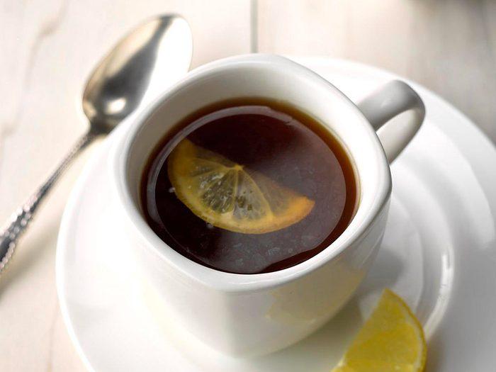 Le thé est l'un des aliments non périssables à toujours avoir dans son garde-manger.