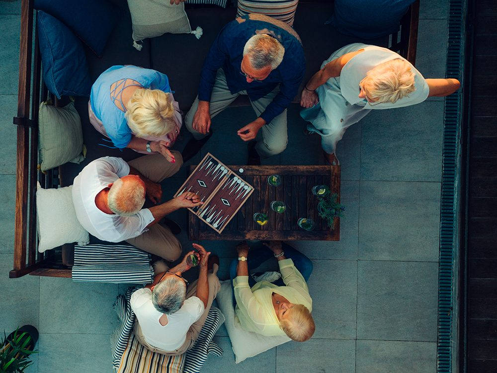 Organiser une soirée de jeu est l'une des choses du quotidien que nous ne tiendrons jamais plus pour acquises.