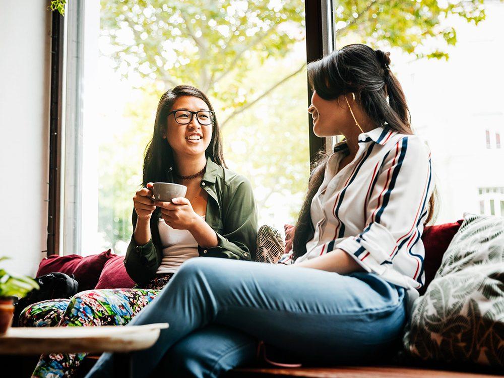 Parler autour d'un café est l'une des choses du quotidien que nous ne tiendrons jamais plus pour acquises.