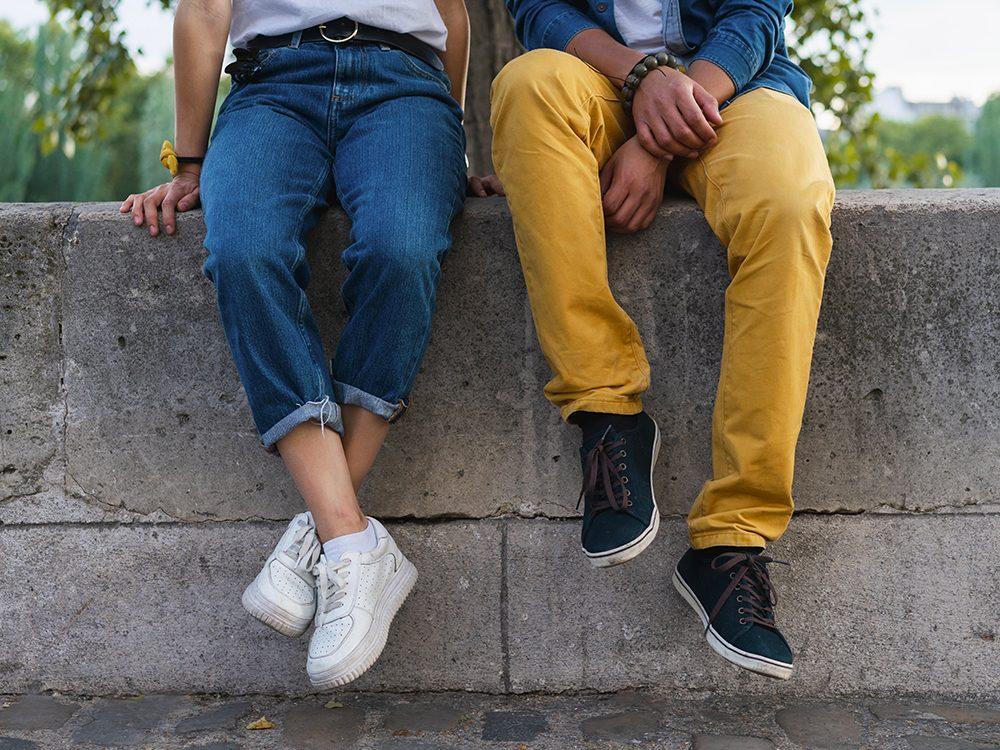 Porter de vrais pantalons est l'une des choses du quotidien que nous ne tiendrons jamais plus pour acquises.