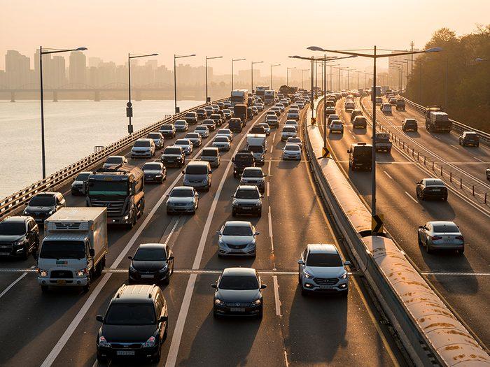 Le trafic d'heure de pointe est l'une des choses du quotidien que nous ne tiendrons jamais plus pour acquises.