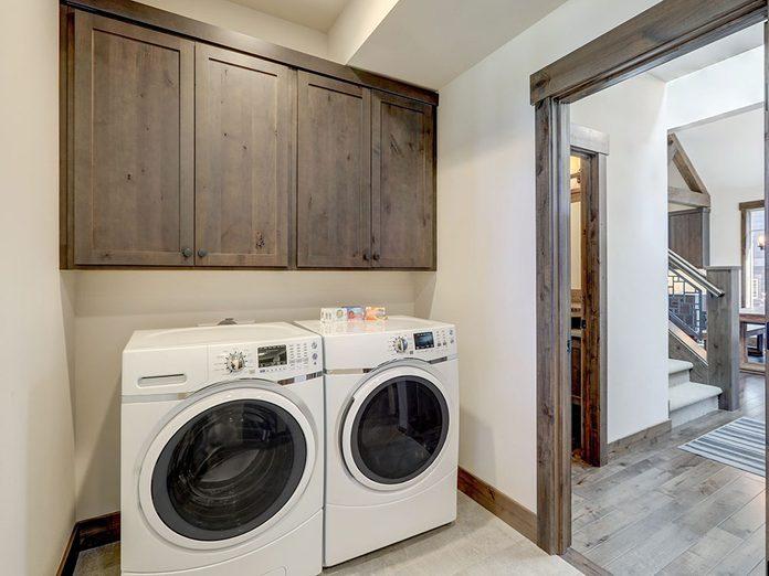 Nettoyez la laveuse et la sécheuse lors du grand ménage de printemps.