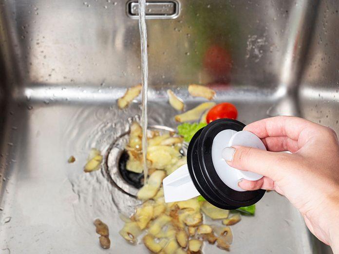 Nettoyez le broyeur à déchets lors du grand ménage de printemps.