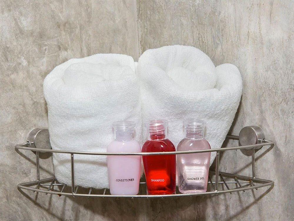 Nettoyez le serviteur de douche lors du grand ménage de printemps.