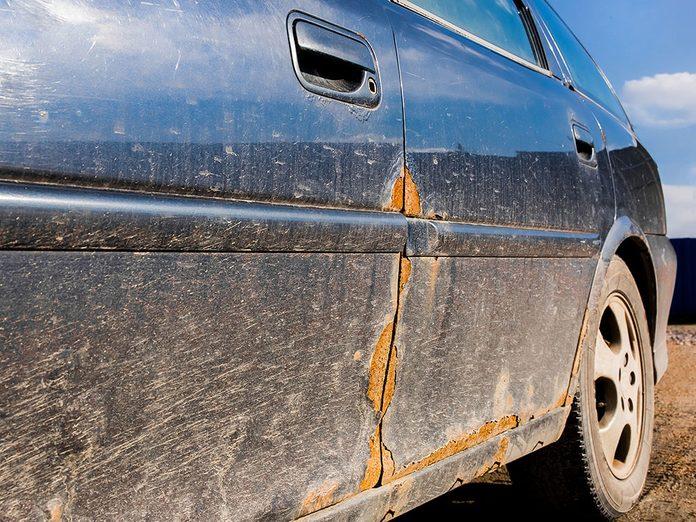 Laver sa voiture et vaincre la rouille facilement.