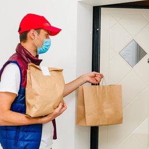 La livraison de repas est possible, à condition d'adopter des mesures supplémentaires.