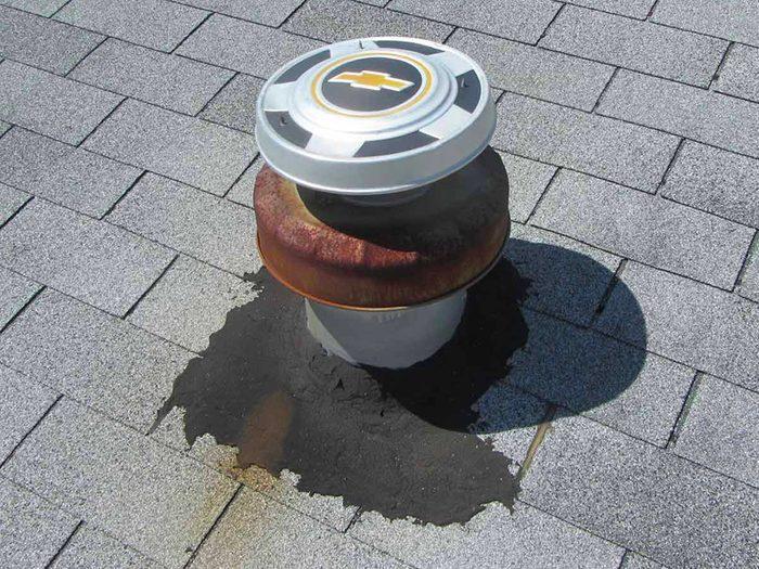 N'essayez pas cela à la maison: un enjoliveur pour conduit de cheminée.