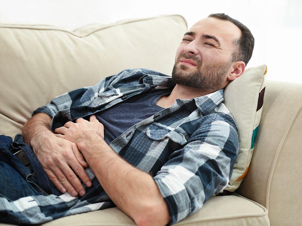L'indigestion est l'un des symptômes de maladie cardiaque.
