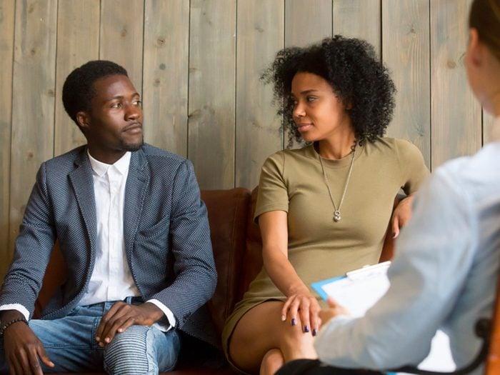 Thérapie de couple: un des deux est prêt émotivement, l'autre voudrait l'être physiquement.