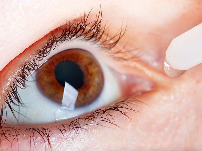 Les larmes artificielles contre les yeux secs.