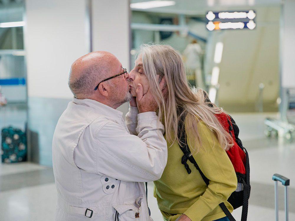 Vous ne verrez plus d'adieux romantiques dans les aéroports.