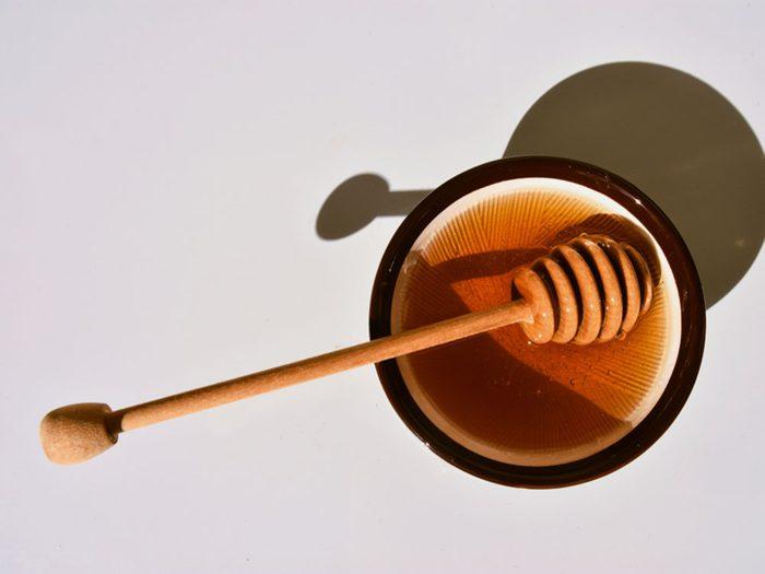 Le miel n'est peut-être pas un remède naturel conseillé contre vos allergies.