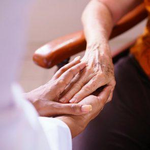 Mythe: toutes les personnes atteintes de la maladie d'Alzheimer deviennent violentes et irritables.