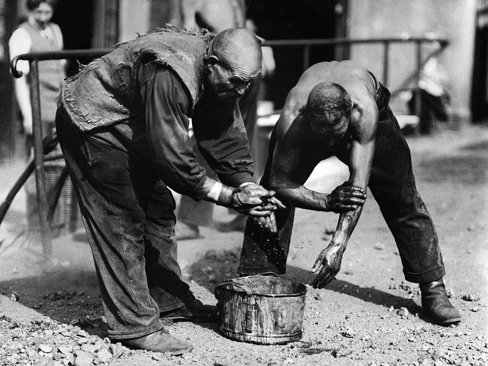 L'hygiène des travailleurs il y a 100 ans.