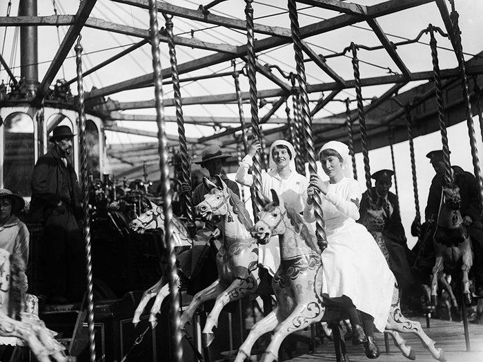 Même à l'époque, les infirmières ne faisaient pas que travailler!