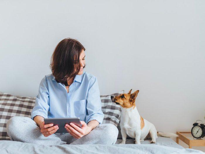 Adoptez un animal de compagnie pour prévenir la maladie d'Alzheimer.