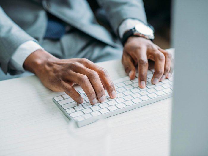 Allez en ligne pour prévenir la maladie d'Alzheimer.