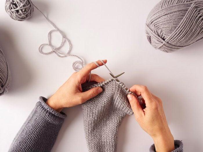 Apprenez le tricot pour prévenir la maladie d'Alzheimer.