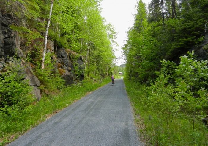 La piste cyclable Cyclo-voie du partage des eaux (Abitibi-Témiscamingue).
