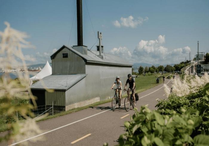 La piste cyclable le Parcours des Anses.
