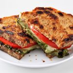 Grilled cheese au pesto