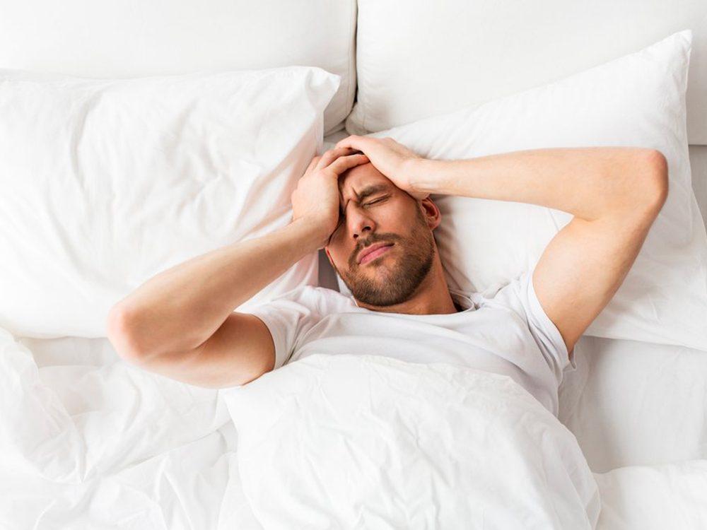 Les maux de tête comme symptômes.