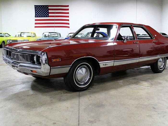 La voiture Chrysler New Yorker de 1971.