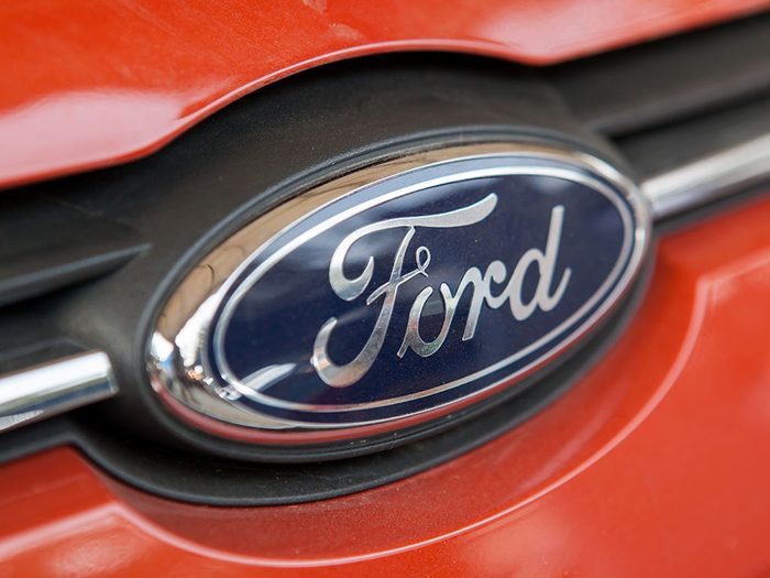 La voiture Ford Taurus de 1991.