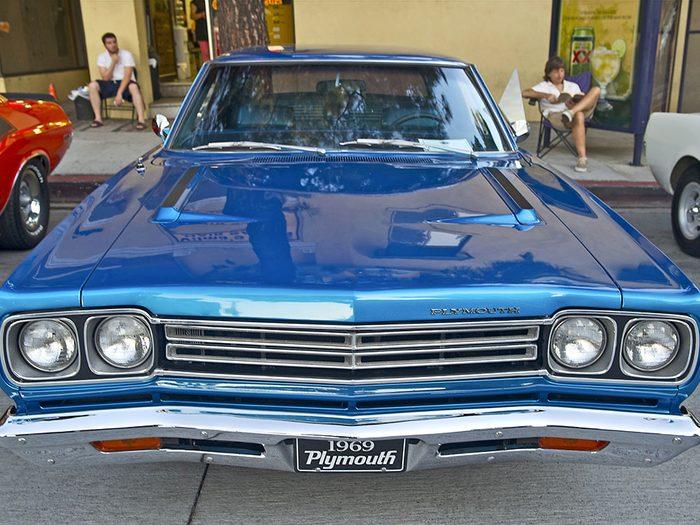 La voiture Plymouth Roadrunner de 1969.