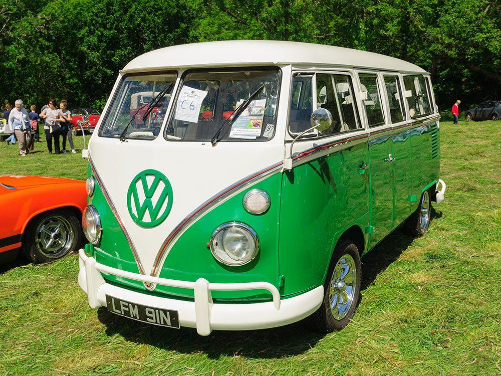 La voiture Volkswagen Camper type 2 de 1966.