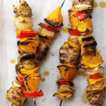 Brochettes de porc au curry et à l'orange