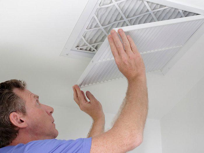 Mythe sur l'air climatisé: il faut fermer les évents dans les pièces inutilisées.