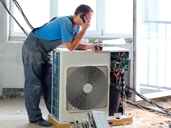 Mythe sur l'air climatisé: il vaut mieux garder un climatiseur jusqu'à ce qu'il ne fonctionne plus.