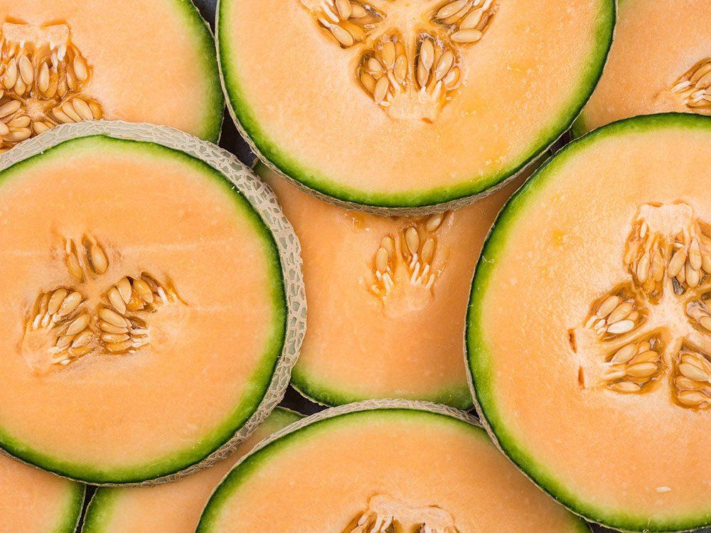 Le cantaloup est l'un des aliments pour s'hydrater.