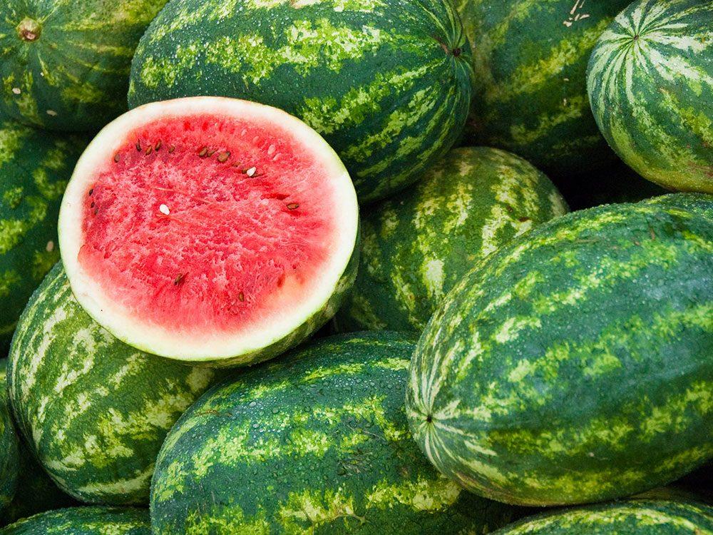 Le melon d'eau est l'un des aliments pour s'hydrater.
