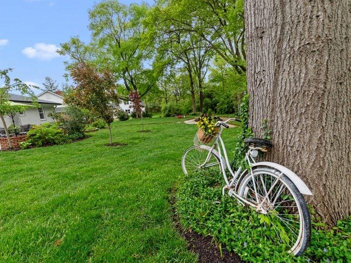 Ne pas laisser traîner de vélo dans son arrière-cour.