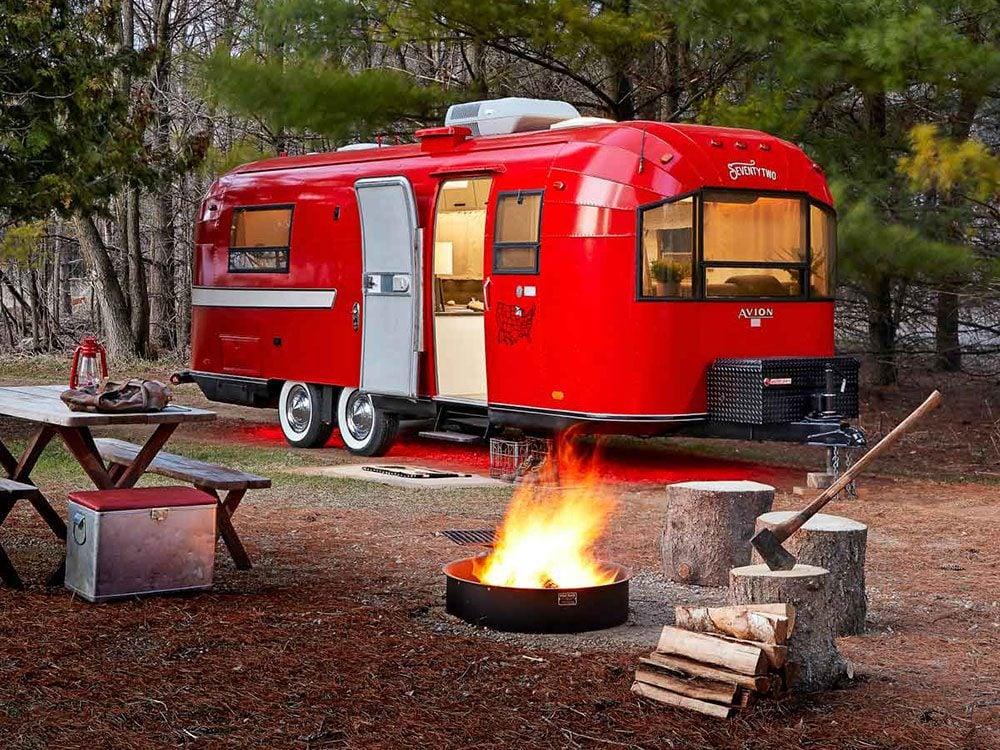 Une caravane rétro pour explorer les grands espaces.